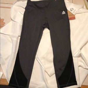 NWT Reebok Skinny Capri pants charcoal heather XS